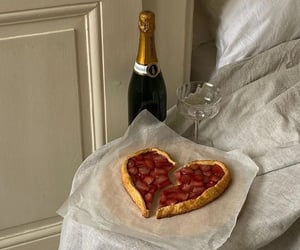 beverage, delicious, and champagne image