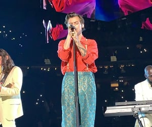 Harry on stage in Detroit