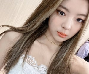 kpop, itzy, and girls image