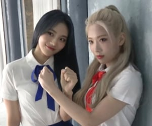 girls, pretty, and loona image
