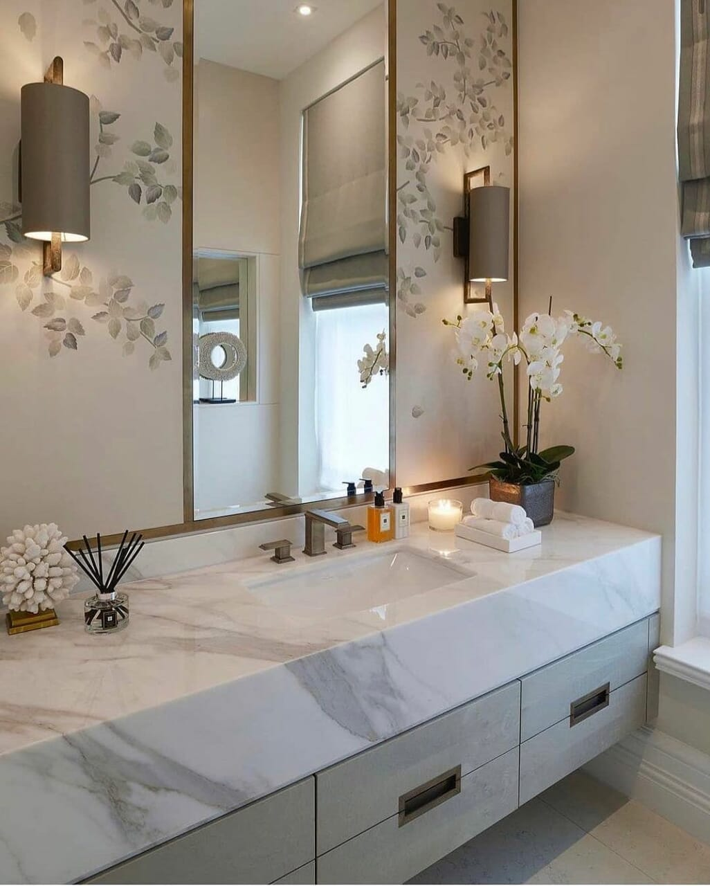 home, bathroom, and Blanc image