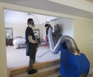 air duct cleaning service image
