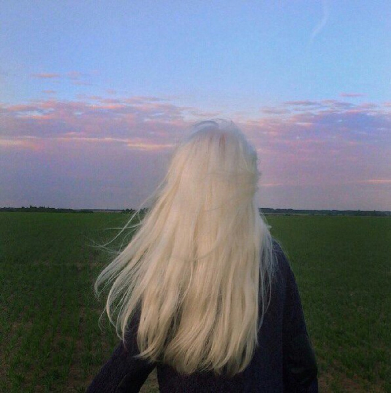 blonde and faceless image