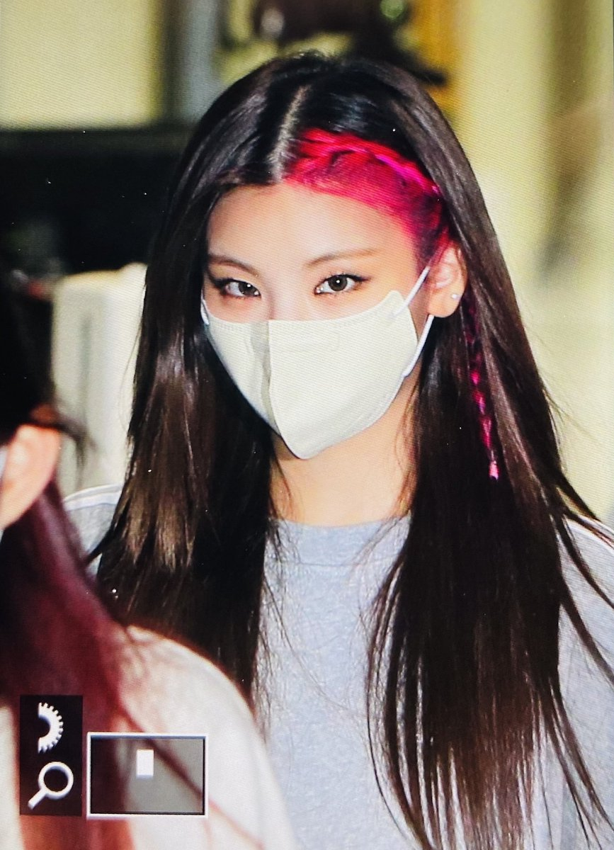 girl, kpop, and hwang image