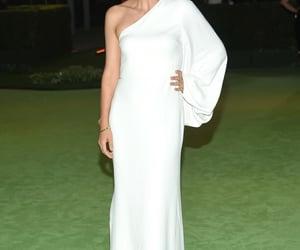 belleza, elegancia, and maggie gyllenhaal image