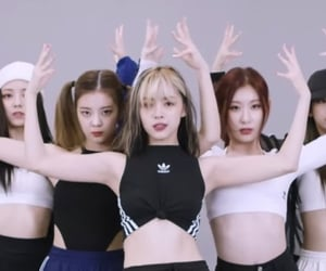 gg, itzy, and header image
