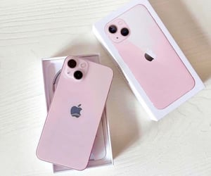 pink and iphone 13 image