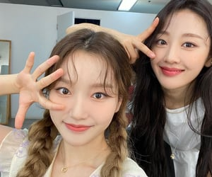 lesbians, loona, and yves image