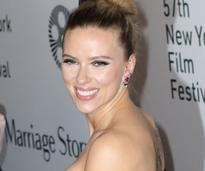 makeup, premiere, and Scarlett Johansson image