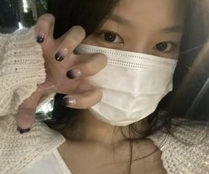 loona, selca, and hyunjin image