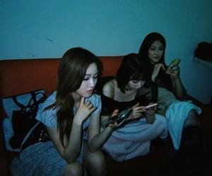yeojin, gowon, and loona image