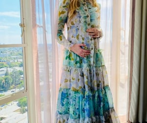 baby bump, press tour, and the tender bar image