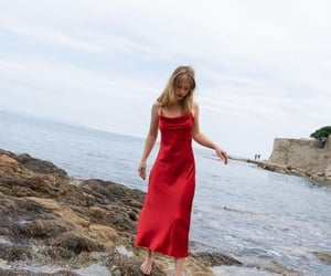 beach, photoshoot, and red image
