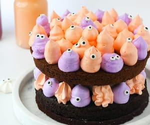 spooky and halloween cakes image