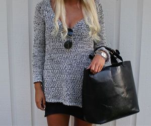 outfit and rayban image