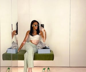fashion, green, and mirror pics image