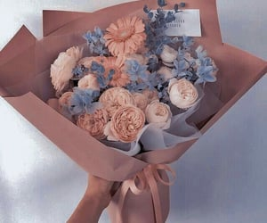 Blanc, Fleurs, and Bleu image