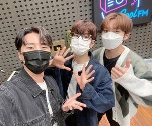 kpop, 리노, and radio image