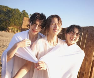 sunghoon, enhypen, and jungwon image