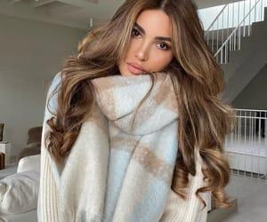 negin_mirsalehi Officially scarf season. 🤍
