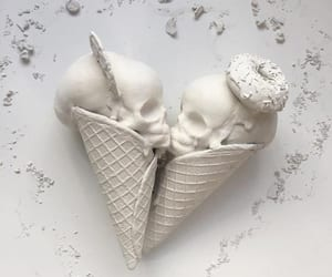 sculpture, pastry arts, and ice cream sculpture image