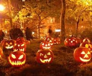12 Bone Chilling Halloween Party Decoration Ideas Ruling 2021!! - Flowerdeliveryuae Official Blog