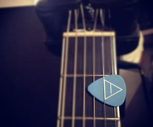 30 seconds to mars, guitar, and triad image