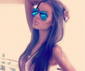brunette, girl, and ray ban image