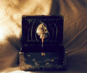 vintage, music box, and ballerina image