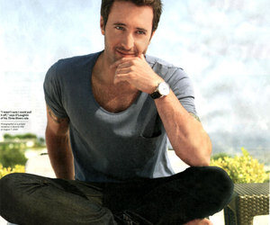 alex o'loughlin image
