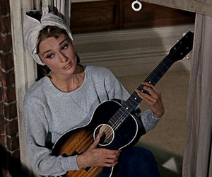 audrey hepburn, Breakfast at Tiffany's, and moon river image