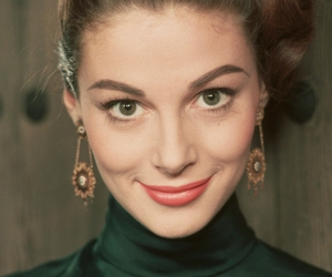 actress, beauty, and green eyes image