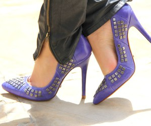 girls, roxo, and shoes image