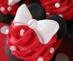 cupcake, minnie mouse, and minnie image