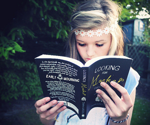 girl, book, and looking for alaska image