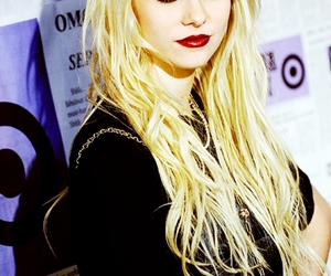 Taylor Momsen and blonde image
