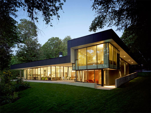 The Glass House Design for Big Family in InnisfilOntario The