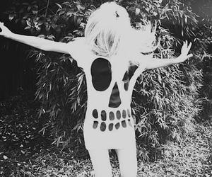 girl, skull, and blonde image