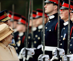 prince harry and Queen image