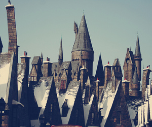 harry potter, snow, and the wizarding world image