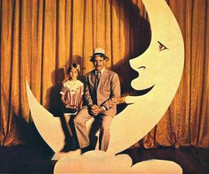 paper moon image
