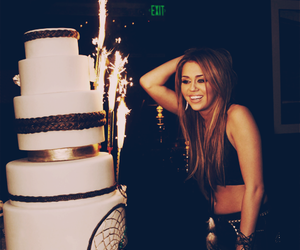 miley cyrus, birthday, and cake image