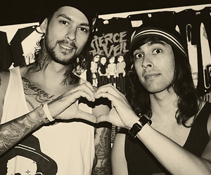 vic fuentes, mike fuentes, and pierce the veil image