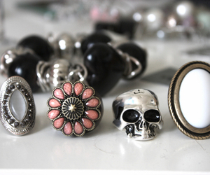 rings and skull image