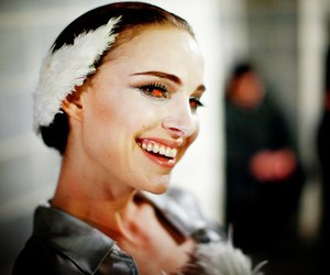 natalie portman and black swan image