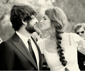 wedding, kiss, and black and white image