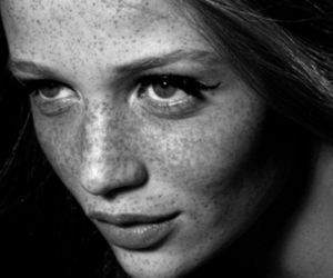 Cintia Dicker and freckles image