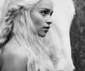 game of thrones, horse, and daenerys targaryen image