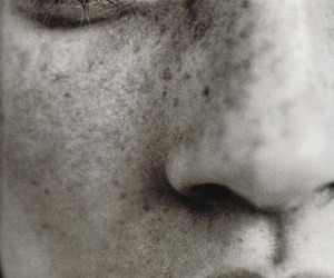 face, kate moss, and black and white image