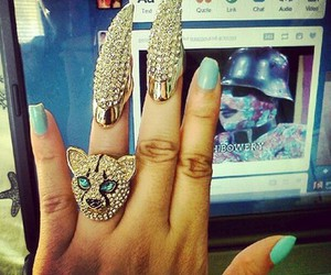 accesories, nails, and original image